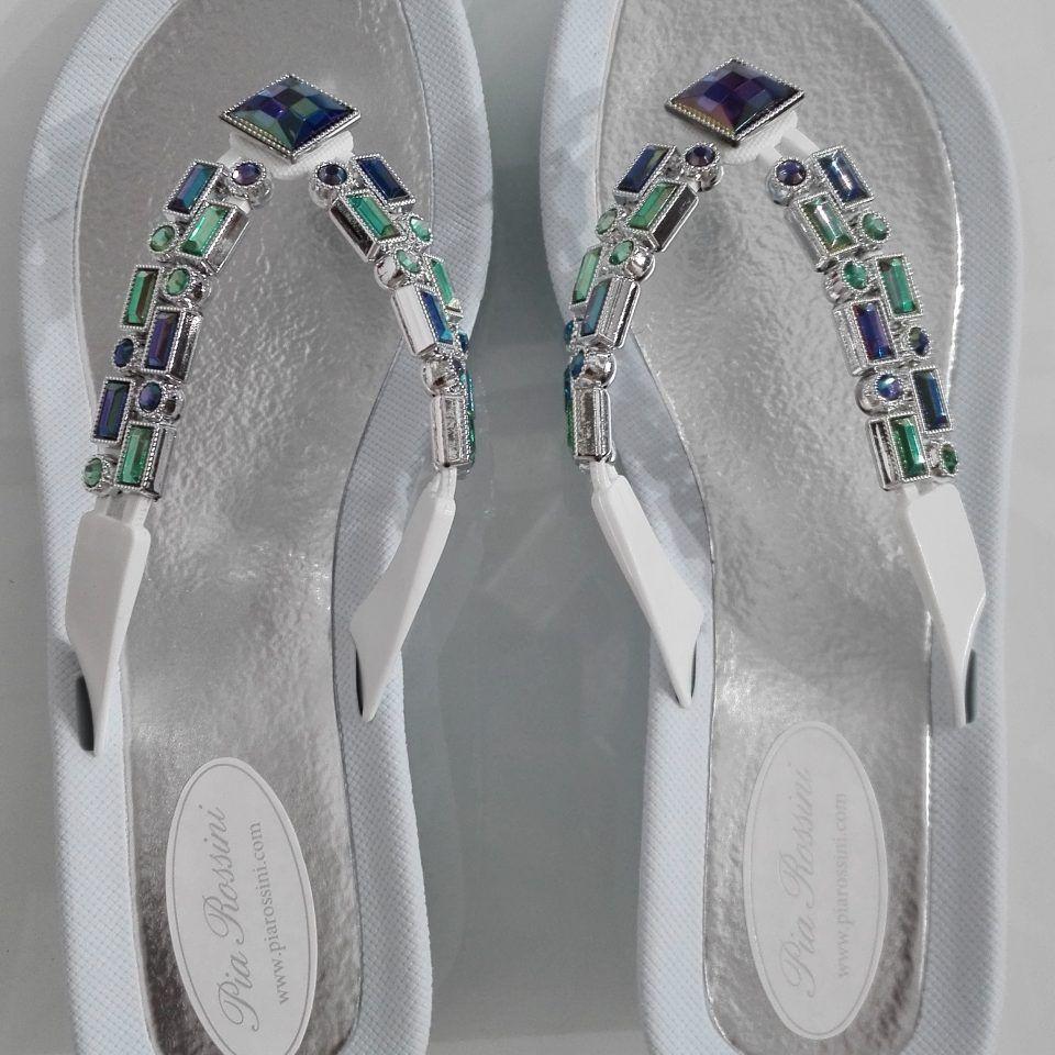 sandalias-de-dedo-piscina-cuña-detalles-brillantes-topaz-piarossini-1