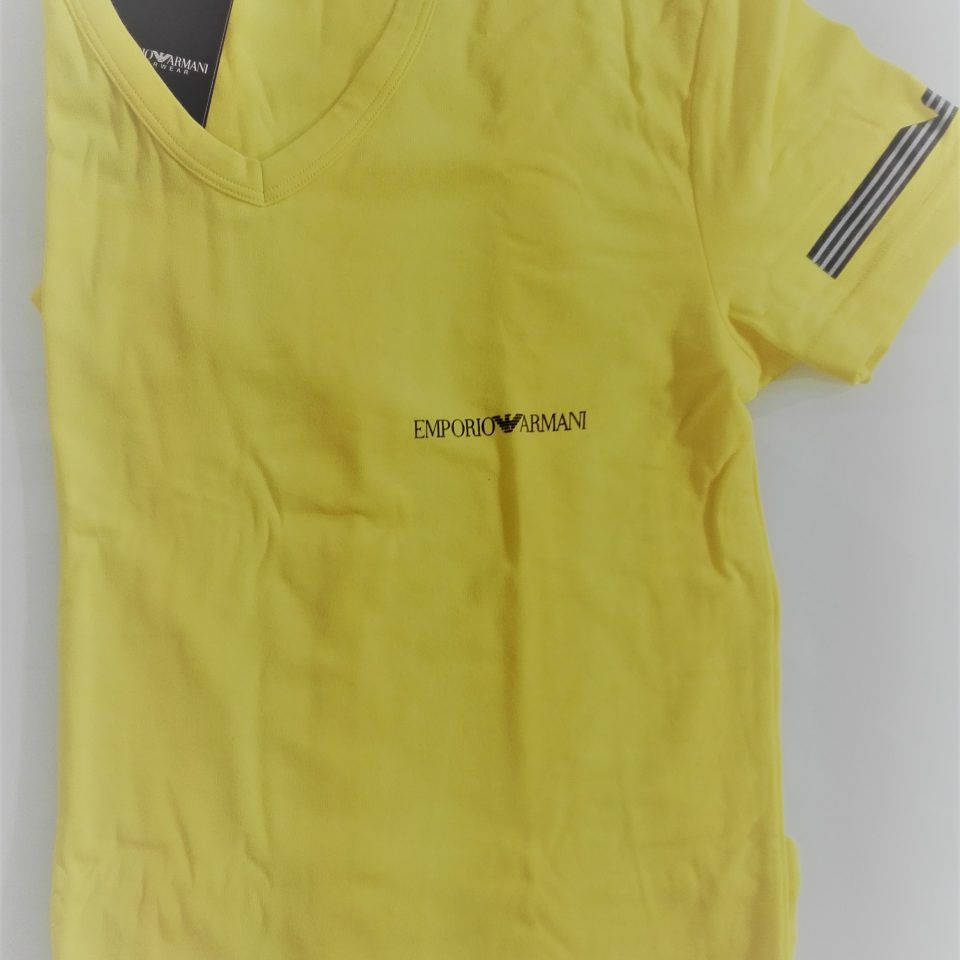 Camiseta-cuello-v-manga-corta-limon-stretch-cotton-emporio-armani-1