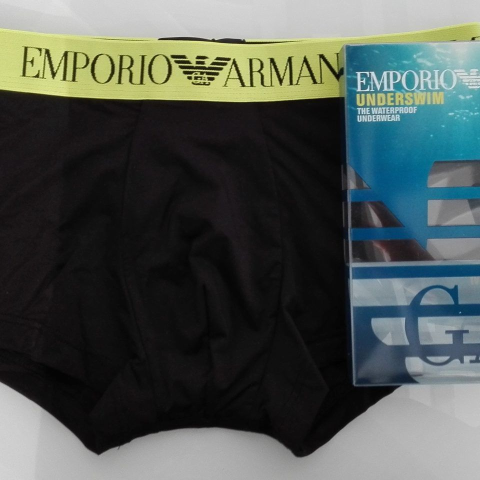 boxer-individual-material-impermeable-negro-cintura-goma-amarilla-logo-en-negro-underswim-emporio-armani-1