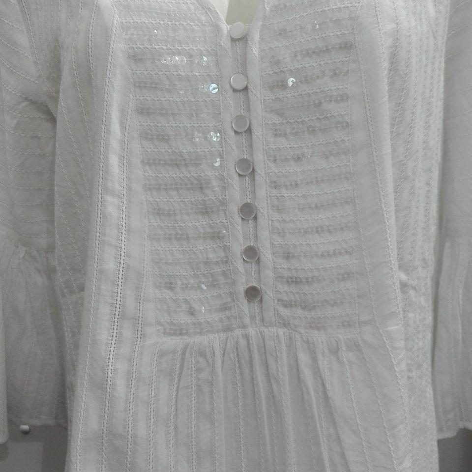 vestido-camisero-detalles-lentejuelas-transparentes-escote-botones-manga-francesa-acampanada-Lidea-2