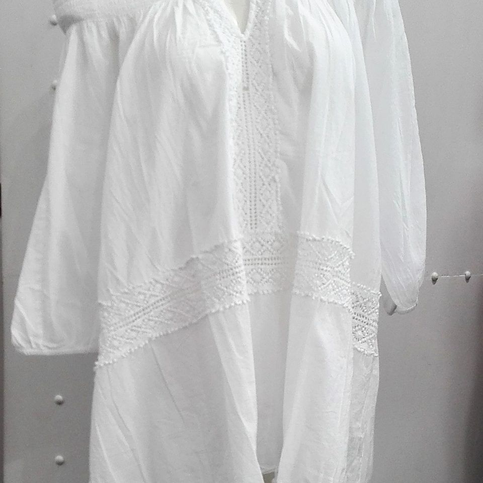 vestido-ibicenco-blanco-bordado-escote-normal-barco-goma-hombros-savannah-piarossini-1