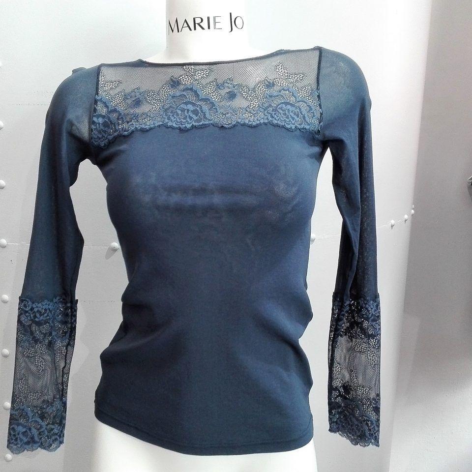 camiseta-indigo-encaje-escote-manga-larga-cuello-redondo-janira-greta-1