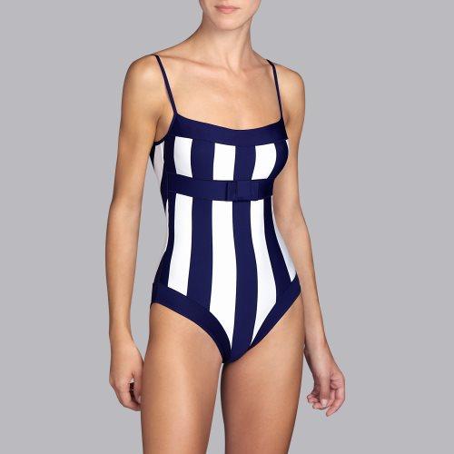Bañador-sin-aros-preformado-escote-recto-detalle-lazo-franjas-azul-blanco-azura-andres-sarda-copa-B-C-D-1